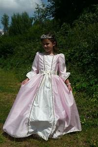 29 best images about robe de princesse enfant on pinterest With patron robe princesse