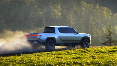 rivian details reveal rt truck  worlds largest