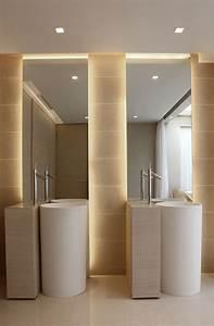 idees d eclairage indirect mural dans les interieurs modernes With porte d entrée alu avec lumiere salle de bain plafond