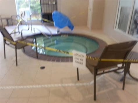 Tubs Nashville by Tub Out Of Order Picture Of Garden Inn