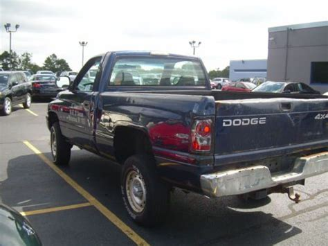 how cars run 2001 dodge ram 1500 free book repair manuals buy used 2001 dodge ram 1500 4x4 magnum 5 2l v8 st only 12k miles runs perfect in patchogue
