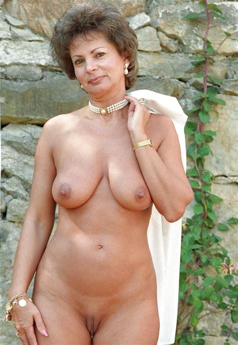 Shameless Naked Mature Babes Pics Xhamster