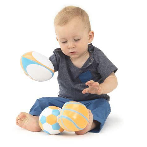 mini panier de basket chambre mes premières balles de sport de babytolove balles