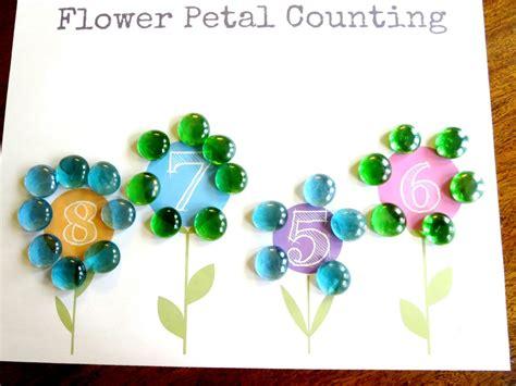 plant theme preschool math flower petal counting free 777 | Plant theme preschool math 1024x768
