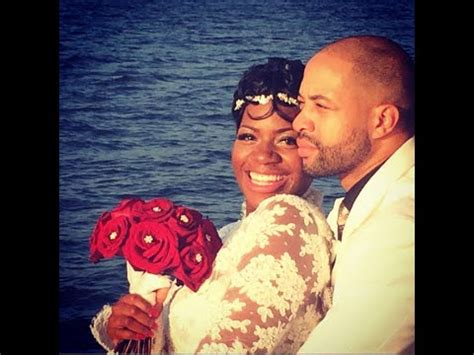 rb singer fantasia  married wedding pics