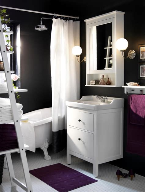 Chamber of anthracite bathroom design, purple and white