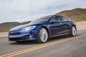 Tesla Modèle S : 2016 tesla model s p90d quick drive review motor trend ~ Melissatoandfro.com Idées de Décoration