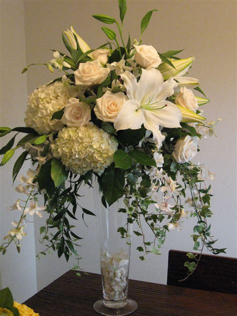 Tall Hydrangea Centerpieces For Weddings White Roses