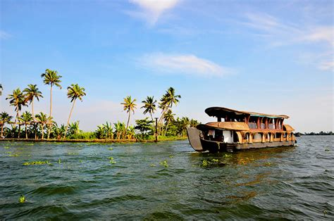 Alappuzha Boat House by Alappuzha Boathouse Packages Standard Boat House Deluxe