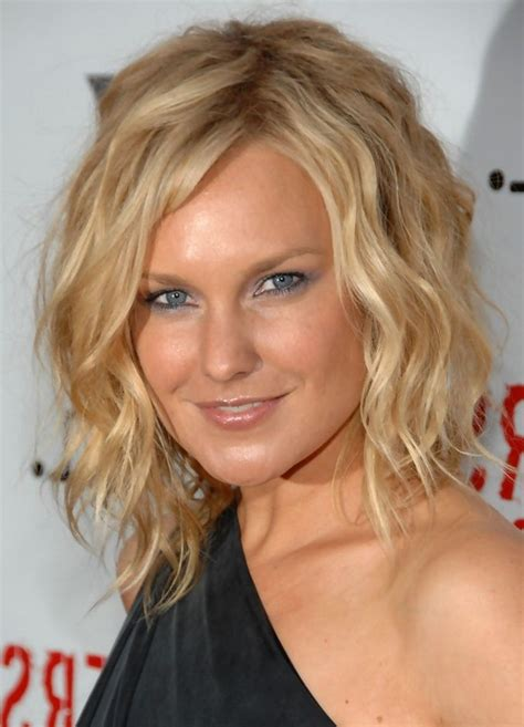 allen tousled curly hairstyle for medium length hair styles weekly