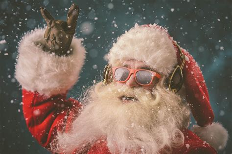 Whistler Presents: Family Après & Christmas rock with The Sociables   Summit Lodge Boutique