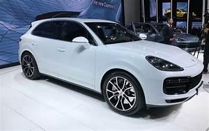 Nouveau Porsche Cayenne 2018 : 550 chevaux voici le nouveau porsche cayenne turbo 2019 guide auto ~ Medecine-chirurgie-esthetiques.com Avis de Voitures