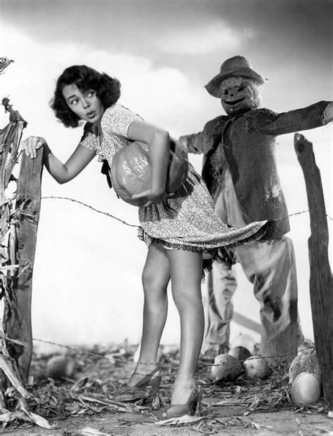 Vintage Halloween Hollywood Actress Pinups