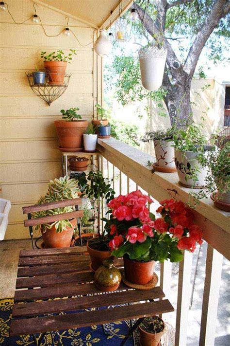 refreshing small balcony gardens   steal  show