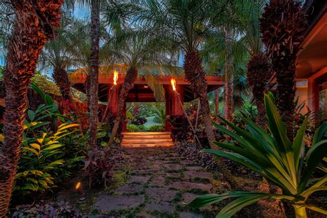stunning tropical landscape designs     relax