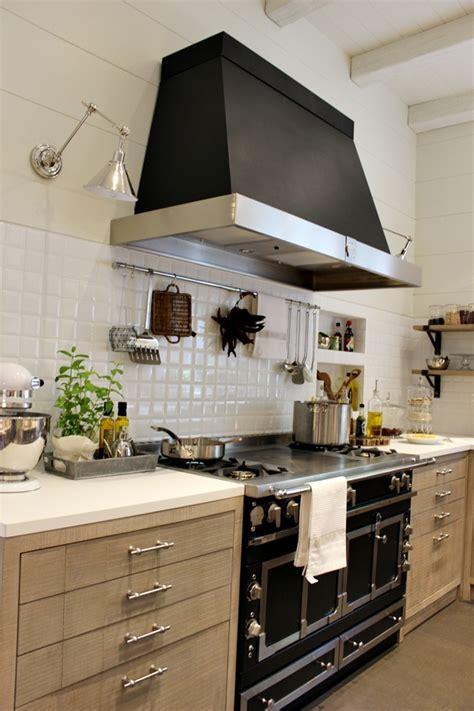 cocina comedor  despensa climatizada de deulonder