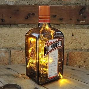 Led Flaschen Beleuchtung Selber Bauen : lichterkette in glasflasche als attraktive diy tischlampe upcycling ideen upcycling und leuchten ~ Watch28wear.com Haus und Dekorationen