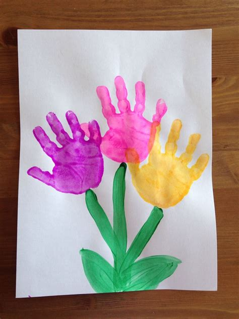 handprint flower craft craft preschool craft 536 | 6489b30b0c3786953c2929e6beeb7bc3