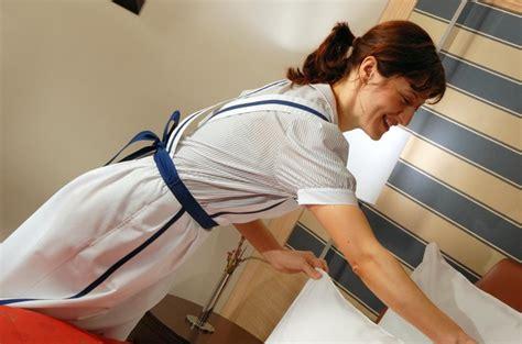 emploi femme de chambre à service de nettoyage hôtelier externalisation ou