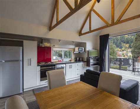 pinewood lodge apartments queenstown accommodation