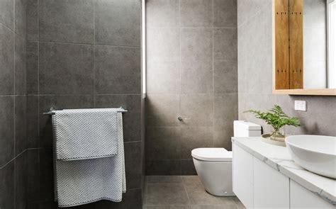 rivestimento bagno basso altezza rivestimenti bagno normativa e consigli