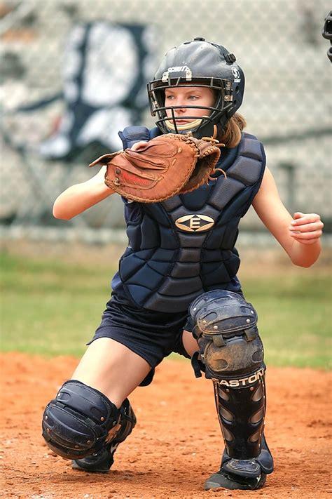 6 Softball Catcher Tips to Help Improve Your Game - SoftballTradingPins.net
