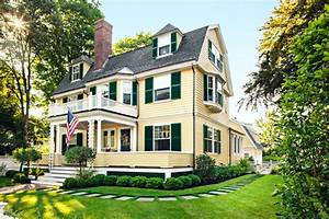 Restoring An Old Clapboard House From The 1800s In Concord