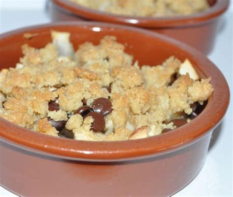crumble pommes poires chocolat les recettes de la cuisine de asmaa