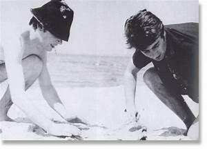 John Lennon and Stuart Sutcliffe - John Lennon Photo ...