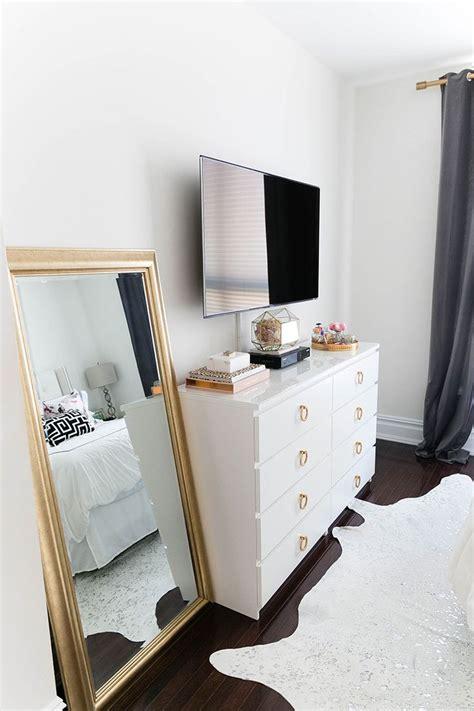 25+ Best Ideas About Bedroom Tv On Pinterest  Buffet