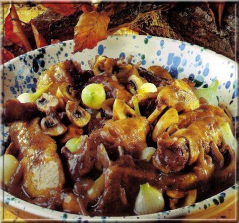 cuisiner canard sauvage civet de canard sauvage a vos assiettes recettes de