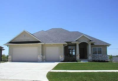 ranch home   bdrms  sq ft floor plan