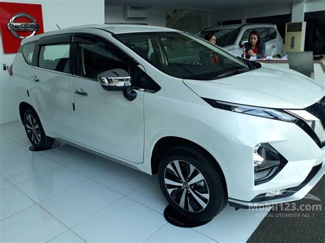 Nissan Livina 2019 by Jual Mobil Nissan Grand Livina 2019 Sv 1 5 Di Jawa Barat