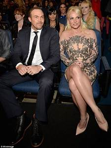 Britney Spears and Average Dave watch on as her ex Justin ...