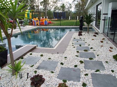 Landscaping Ideas On a Budget with Pool