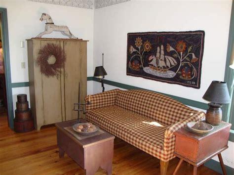 primitive livingroom hooked rug primitive living rooms