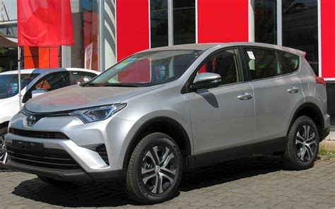 toyota rav awd  door le