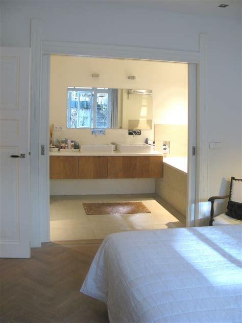 kleine badkamer en suite benedenhuis met souterrain amsterdam boks architectuur