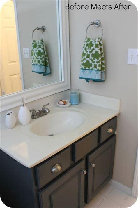 hour bathroom vanity makeover  annie sloan chalk