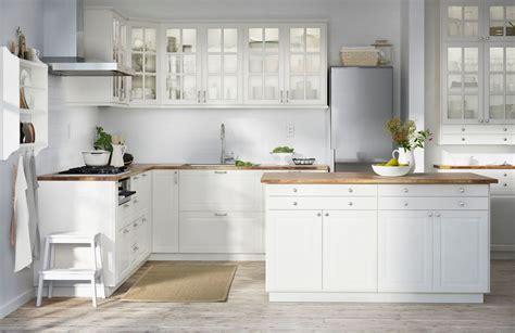 image cuisine blanche cuisine blanche ou gris clair forum mode