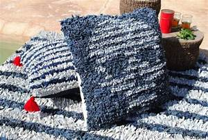 Que Faire Avec Des Vieux Jeans : a marrakech l 39 entreprise djeann recycle vos vieux jeans pour en faire des tapis design al ~ Melissatoandfro.com Idées de Décoration