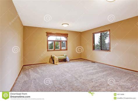 vide chambre intérieur vide de chambre à coucher dans la couleur douce