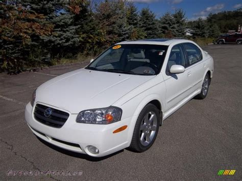 white nissan maxima 2003 nissan maxima se in glacier white pearl photo 3