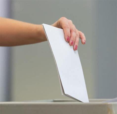 Seit 08.00 uhr am sonntagmorgen sind die wahllokale zur landtagswahl die wahlbeteiligung betrug bis 14.00 uhr erst 27,1 prozent, allerdings werden in diesem jahr mehr. Hohe Wahlbeteiligung in Sachsen und Brandenburg - WELT