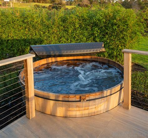 difference   hot tub  jacuzzi
