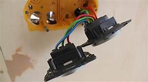 Goulotte Electrique Avec Prise : prix de pose d 39 une prise lectrique co t moyen tarif d 39 installation ~ Mglfilm.com Idées de Décoration