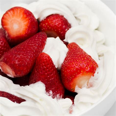 recettes cuisine minceur fraises à la chantilly magicmaman com