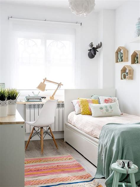Small Bedroom Ideas by 20 Small Bedroom Ideas To Make Your Bedroom Looks Roomier