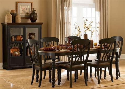 Ohana Black Rectangular Extendable Dining Room Set From