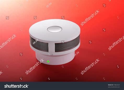 green light on smoke detector alarm with green light signal smoke detector
